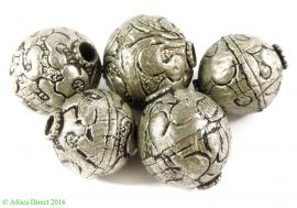 5 Tibetan Silver Repoussee Round Beads Loose