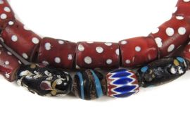 Red Whitehearts Venetian Trade Beads Skunk Cylinder Africa 33 Inch