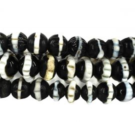 Dog Tooth Black Ruffle Trade Beads Africa 30 Inch