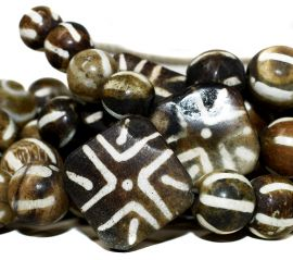 Pumtek Beads Round Flat and Cylinders Nepal 68 Inch