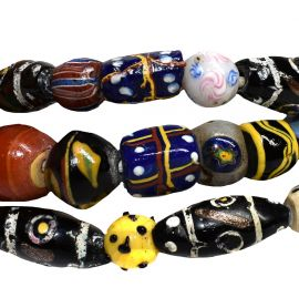Venetian Trade Beads Mixed Strand Skunk Gift Box Africa 36 Inch